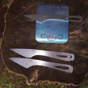 Couteau brut de découpe